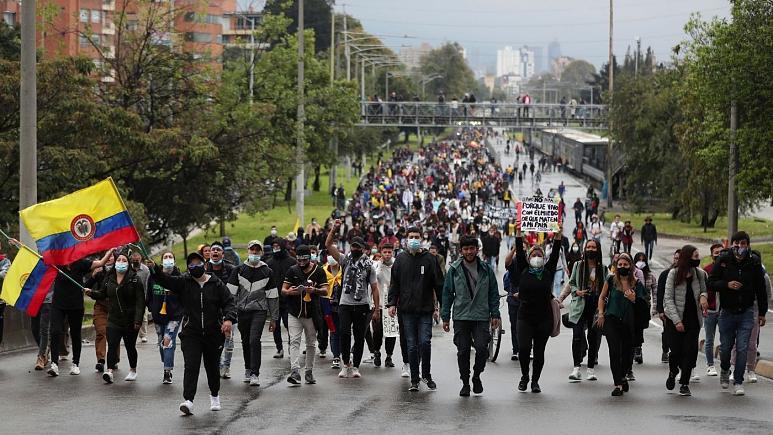 افزایش شمار کشتههای اعتراضات در کلمبیا