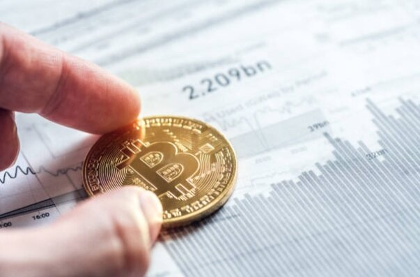 فردا، روز مهم برای قیمت دلار و سکه است