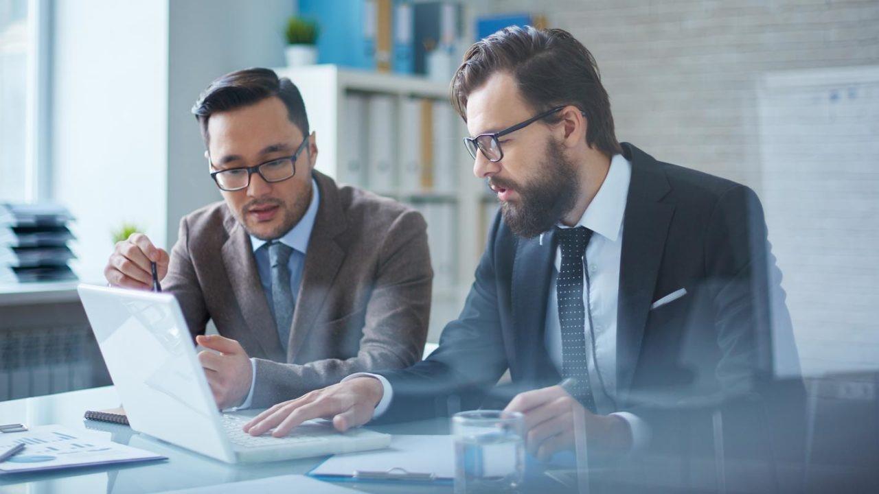 چرا باید از مشاور کسب و کار کمک بگیریم؟