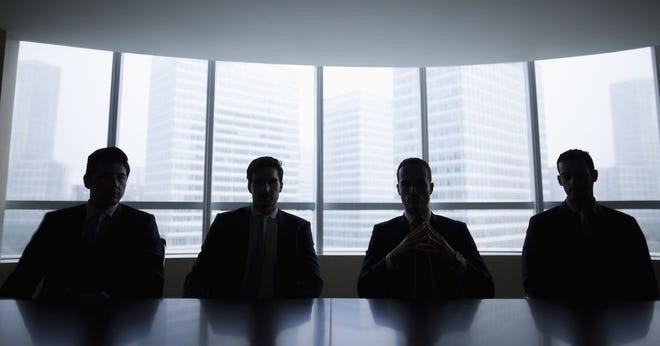 کدام مدیران شرکت اجازه صدور، تایید و انتقال چک های جدید را دارند؟