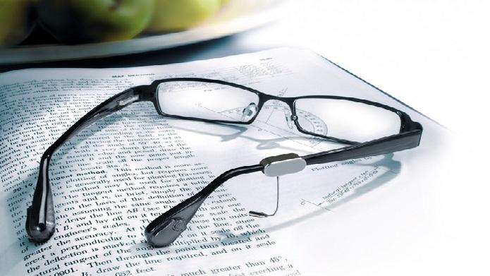 عینک هوشمند با قابلیت خواندن متون فارسی برای نابینایان