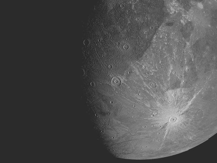 فضاپیمای جونو ناسا تصاویر جالبی از قمر مشتری ثبت کرد