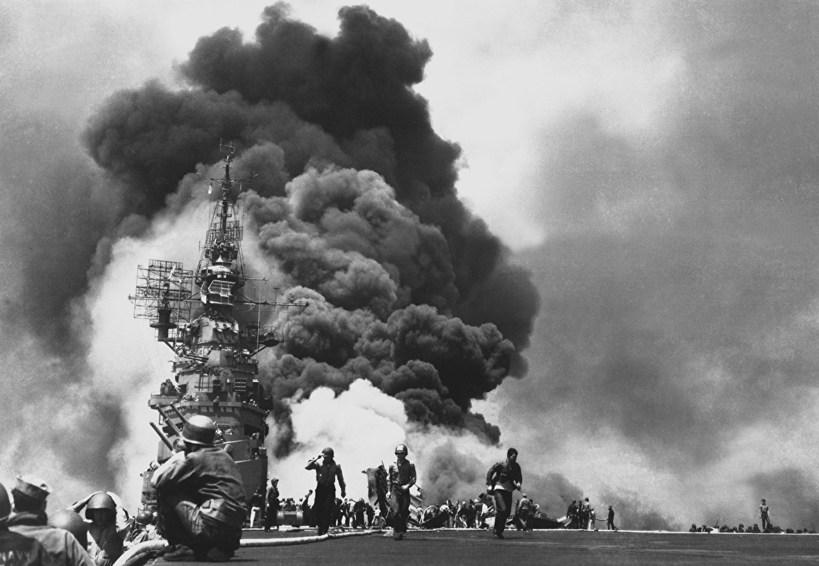 اعدام چهره مشهور فهرست شیندلر / بمب پرنده بلای عظیم در جنگ جهانی دوم / تست الاسدی روی سربازان آمریکا / سخنرانی دیکتاتور اسپانیا پس از پیروزی