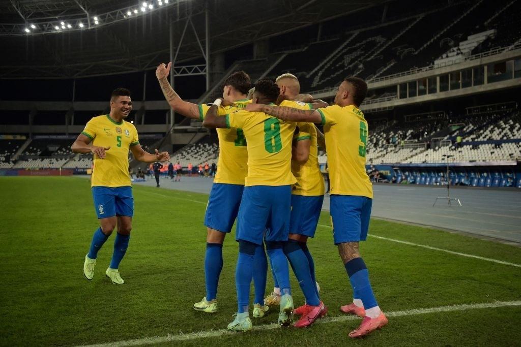 برزیل ۱۰نفره شیلی را حذف کرد و به پرو رسید
