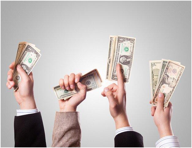 قیمت دلار در بازار امروز یکشنبه ۱۳ تیرماه ۱۴۰۰/ دلار در کانال جدید جای گرفت