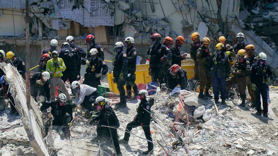 تعلیق عملیات امداد و نجات در برجهای کاندوی فلوریدا
