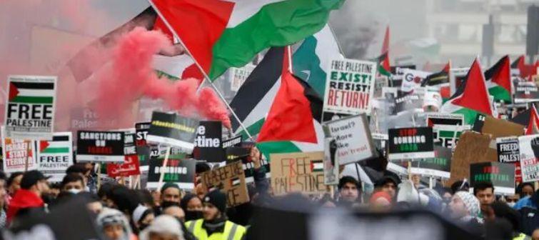 جوانان ضد صهیونیست در انگلیس تظاهرات کردند