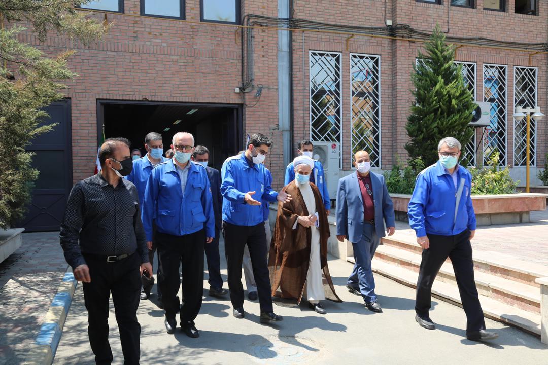 گروه صنعتی ایران خودرو در عرصه خودکفایی و تولید محصولات جدید، خط شکن است
