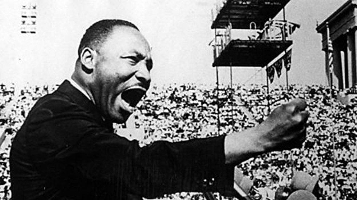بیماری مخفی هیتلر / لحظه انفجار تنها نبردناو انگلیسی در جنگ جهانی / خاکسپاری امیلیانو زاپاتا قهرمان مکزیک / تصاویری از زندگی و اعدام موسولینی / سخنرانی مارتین لوتر کینگ: رویایی دارم