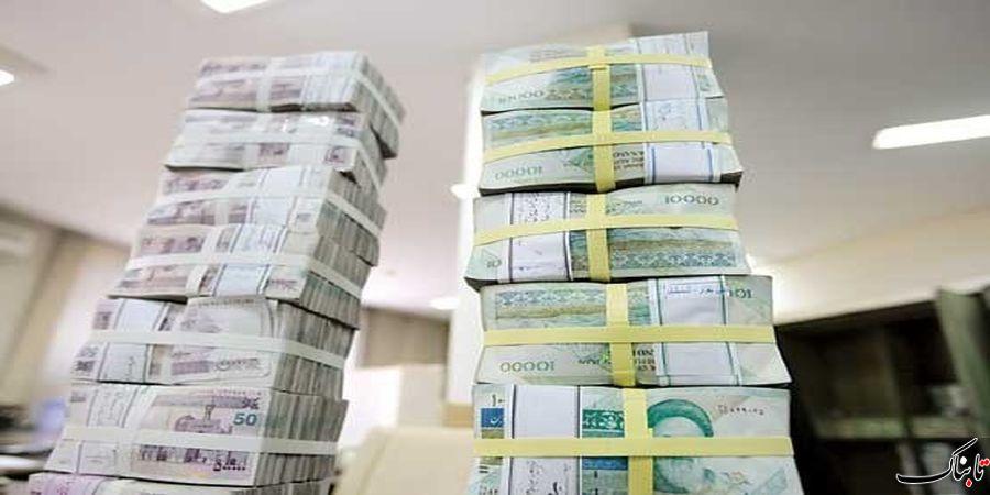 کاهش قیمت سکه و دلار و سبزپوشی بورس در روز تنفیذ رئیس جمهور/ عامل اصلی عبور حجم نقدینگی از ٣٧٠٠ هزار میلیارد تومان مشخص شد/ ریزش قیمتها در بازار طلای سیاه شدت گرفت