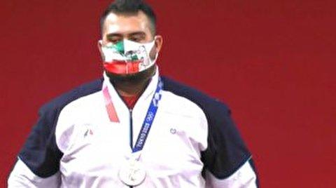 لحظات کسب مدال نقره توسط علی داوودی