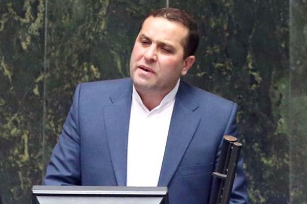 اسامی نمایندگان غایب در مراسم تحلیف اعلام شود