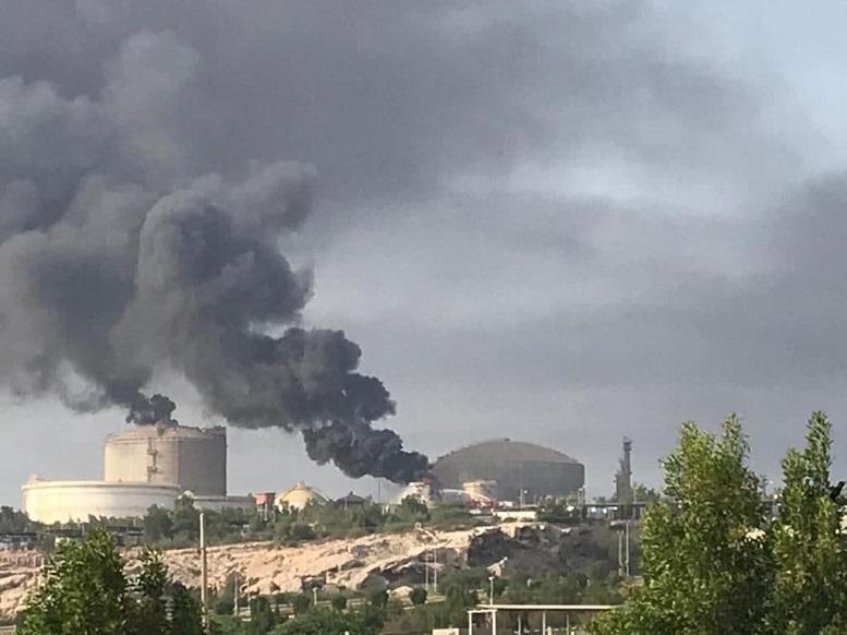 آتش سوزی مهیب در پتروشیمی خارک