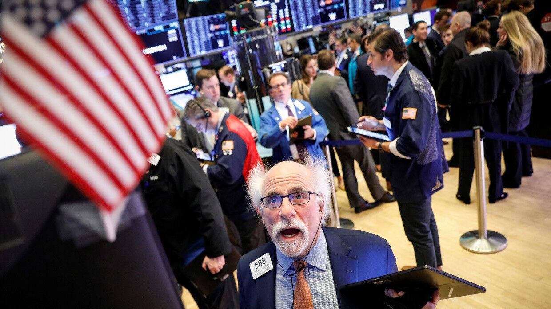 پیش بینی تحلیلگران از روند قیمت طلا در هفته جاری/ کارشناس اقتصادی: جلوی دومینوی افزایش حقوقها گرفته شود/ چرا سرعت رشد دلار در اولین ماه تابستان کند شد؟