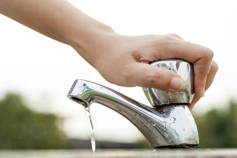 آب شرب ۱۰۵ روستای کردستان با تانکر تامین میشود