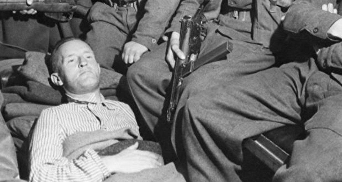 جزئیات عملیات پنجه عقاب آمریکا در ایران / سیدموسوی خلخالی و انتفاضه شعبانیه عراق / زنجیره اتفاقات پس از ترور رفیق حریری / اعدام نازی که لهجه بریتیش داشت! / بمباران ورشو توسط آلمان