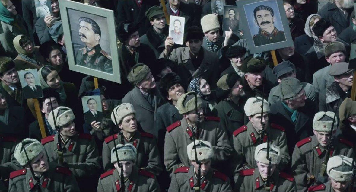 شوروی پس از مرگ استالین / لحظات بازگشت آزادگان ایرانی از عراق / مذاکرات خرازی با بعثیها پس از جنگ تحمیلی / از آغاز انقلاب رومانی تا اعدام چائوشسکو / نمایش تبلیغاتی آمریکا در جریان زلزله بم / نخستین ویدیو از سفر به قطب شمال