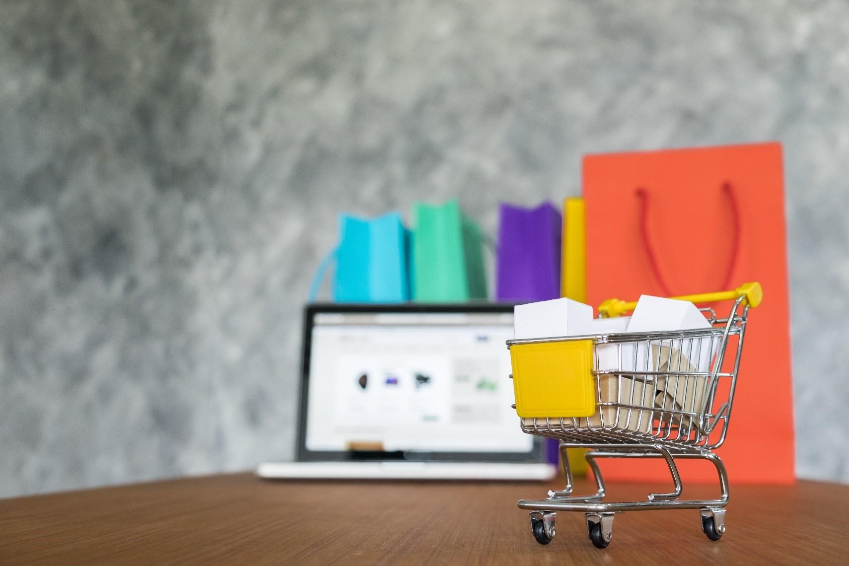 رونمایی از اَبَر پروژه آنلاین سازی فروشگاه های شهری شهرستان تهران توسط گروه آموزشی-تبلیغاتی هانوتا