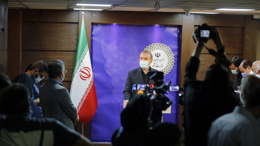عبور از مرزها ممنوع خواهد بود و مجازات در پی خواهد داشت/ ثبت نام عمومی متقاضیان سفر منتفی است/ سهمیه ۳۰ هزار نفری ایران به خادمین داده میشود/ زائران با پرواز به رعاق منتقل خواهند شد
