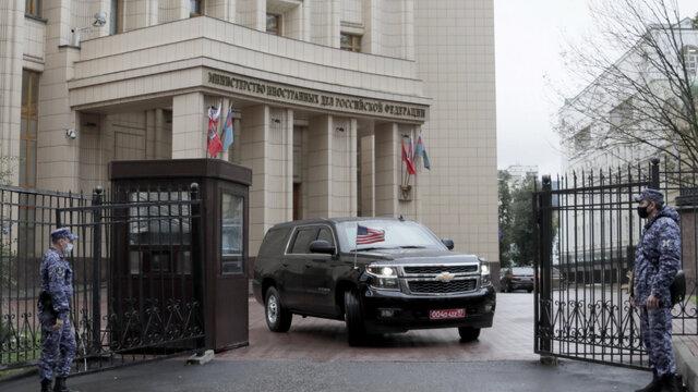 ادعای رسانه آمریکایی درباره تفاهم میان ایران و آژانس بینالمللی انرژی اتمی/ رزمایش نظامی «سه برادر» در باکو با حضور ترکیه و پاکستان/ ارسال تجهیزات نظامی روسیه به تاجیکستان/ احضار سفیر آمریکا توسط روسیه