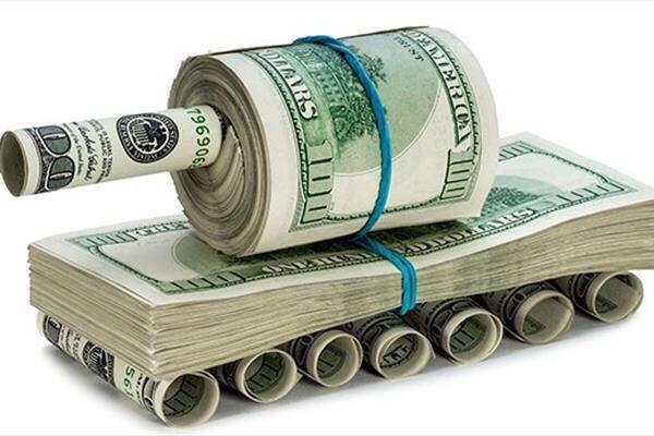 فاجعهی تصویب غیرکارشناسی واردات خودرو در مجلس؛ با دست خودمان دلار را به ۵۰ هزار تومان نبریم!