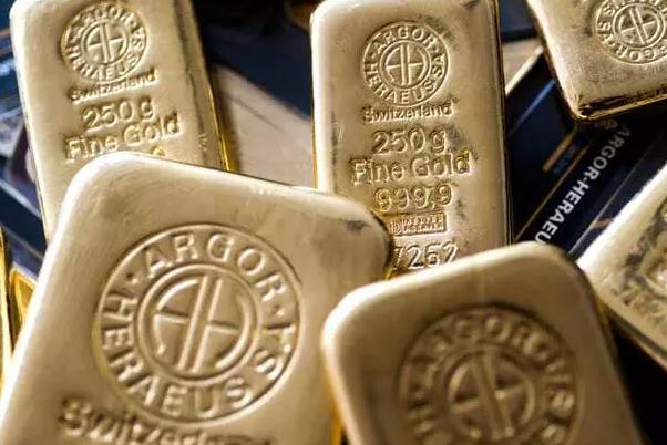قیمت جهانی طلا پایین آمد / هر اونس ۱۷۹۱ دلار