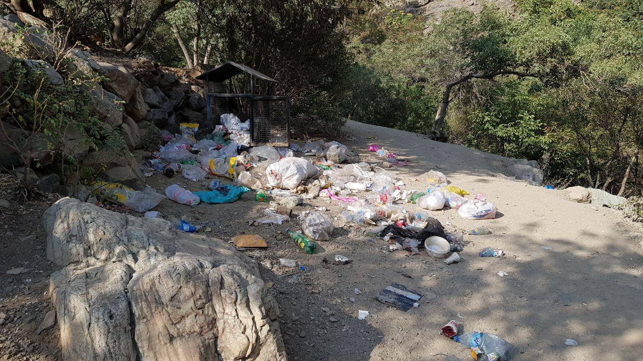 وضعیت زشت و تاسف آور مسیرکوهنوردی میدان درکه به پناهگاه پلنگچال