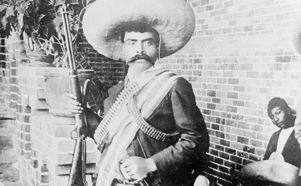 همه رسواییهای سلطنتی اروپا / قدیمیترین تصاویر از سرخپوستان / خاکسپاری امیلیانو زاپاتا قهرمان مکزیک / تست خودرو کوئنیگزگ رگییرا 2012 / تماشای رنسانس لوبلین از آسمان
