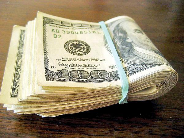 ارز ترجیحی ساز گرانی دلار را کوک کرد/ در سایه این ارز، دولت توزیع کننده رانت در کشور شد