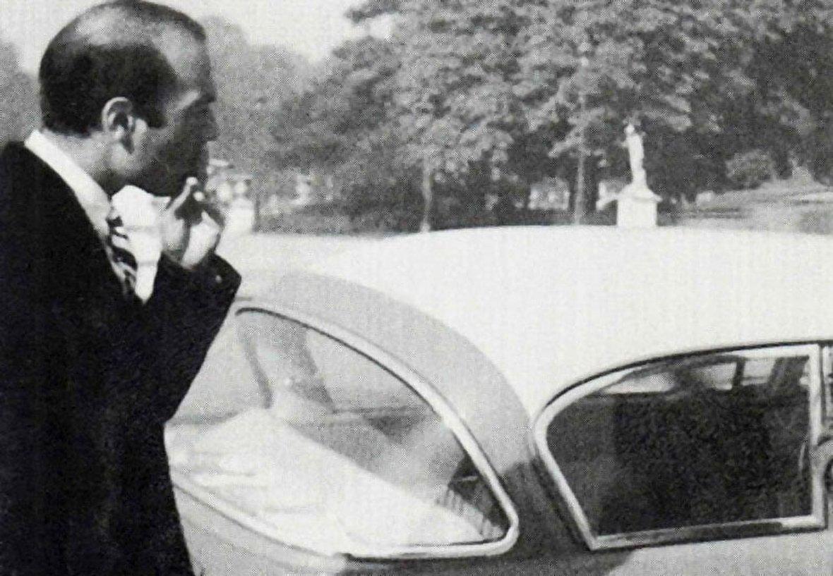 اعدام چهره مشهور فهرست شیندلر / چگونه جنگ جهانی اول آغاز شد؟ / تصاویر قدیمی و کمیاب از دکتر علی شریعتی / تست شلبی تواتارا سریعترین خودرو دنیا / جزایر لنکاوی از نمای نزدیک