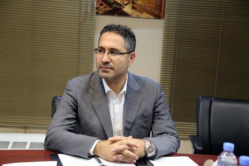 حمایت قاطع اکبر محمدی از نامه آجورلو درباره تبلیغات محیطی لیگ