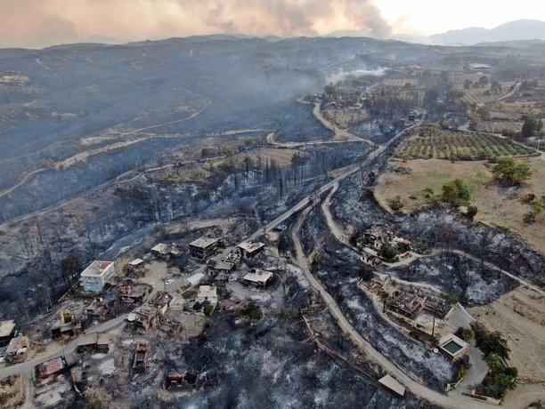 تصویری هوایی از منطقه سوخته مسکونی