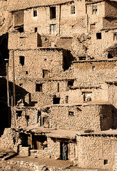 معماری زیبا و منحصر به فرد روستای پلنگان Amos Chapple
