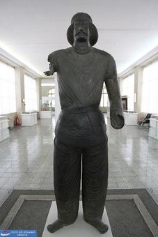 تندیس مفرغی بزرگ زاده اشکانی - شمی (ایذه) خوزستان - اشکانی - 250 پیش ازز میلاد
