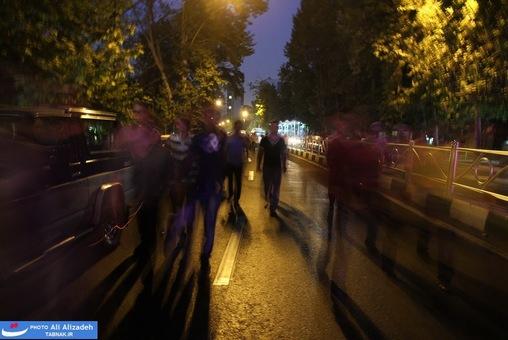 resized 264351 923 تصاویر : شادی مردم پس از اعلام نتایج آرا
