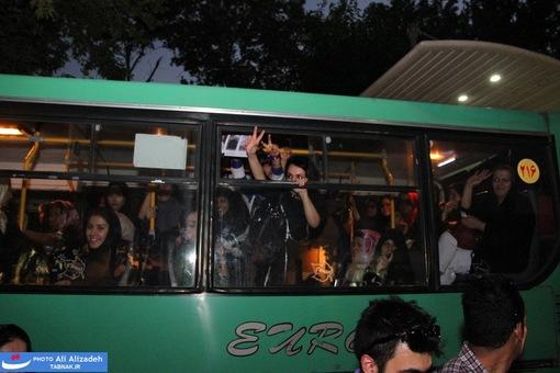 resized 264358 195 تصاویر : شادی مردم پس از اعلام نتایج آرا