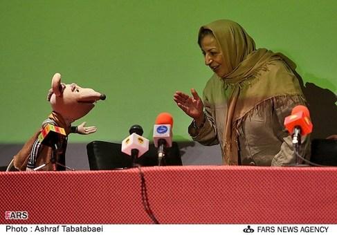 مرضیه برومند کارگردان سینما در نشست خبری فیلم سینمایی شهر موشها