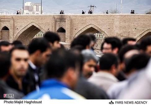 بازارچه دستفروشهای گجیل تبریز، آجی کورپوسی (پل) یکی از راههای ورود به بازارچه گجیل
