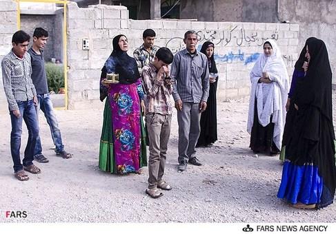 بدرقه سید علی حسینی یکی از سه جوان در روستای دارالمیزان شهرستان مهر در استان فارس مبتلا به بیماری نادر پوستی