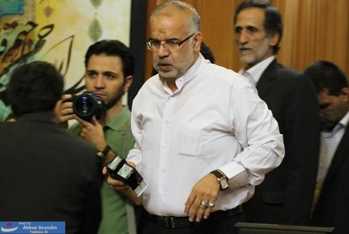 حبیب کاشانی در حال انتقال مهر!