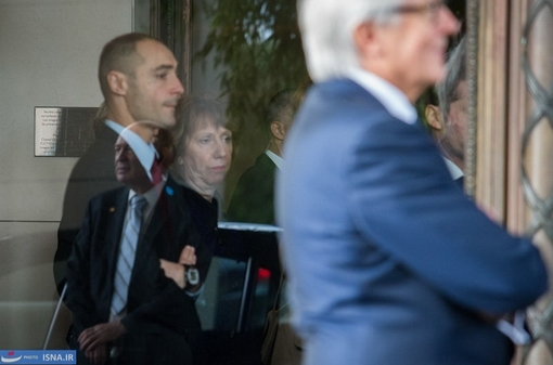 استقبال کاترین اشتون از وزیر امور خارجه فرانسه در حاشیه مذاکرات