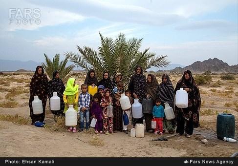 مردم محروم روستای جم شاهی از توابع استان کرمان که از کمبود شدید آب در رنج هستند