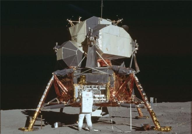 resized 322243 716 تصاویری که ناسا 44 سال مخفی کرد