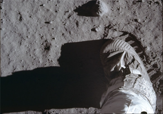 resized 322244 399 تصاویری که ناسا 44 سال مخفی کرد