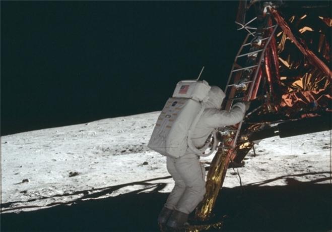 resized 322245 532 تصاویری که ناسا 44 سال مخفی کرد