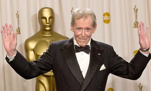 پیتر اوتول، بازیگر ایرلندی - انگلیسی سینما و تئاتر که برای بازی در نقش لورنس عربستان شهرت داشت، در سن ۸۱ سالگی درگذشت. AP