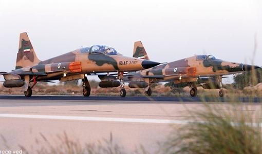 مرحله اصلی چهارمین رزمایش هوایی فداییان حریم ولایت با شرکت همه پایگاههای شکاری نیروی هوایی ارتش، بر فراز آبهای نیلگون خلیج فارس برگزار شد