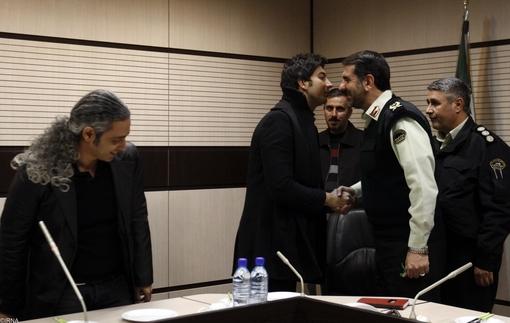 دیدار خوانندگان مشهور پاپ  ایران با فرمانده پلیس/تصاویر