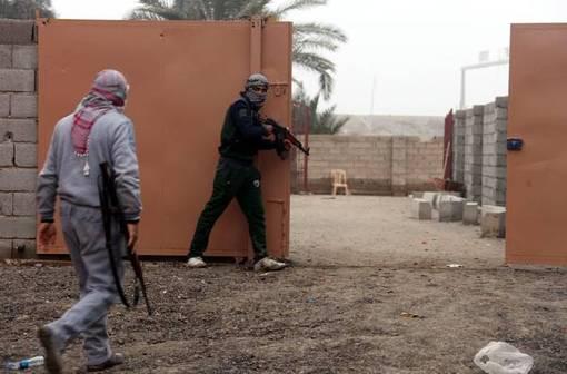 شورشیان تروریست القاعده همچنان در استانهای غربی عراق با ارتش این کشور درگیرند-ANSA