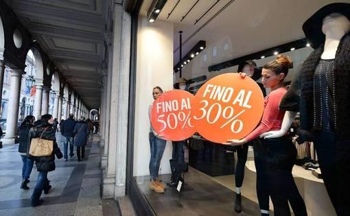 فروشگاه های شهر تورین آماده فروش ویژه زمستانی شدند-ANSA